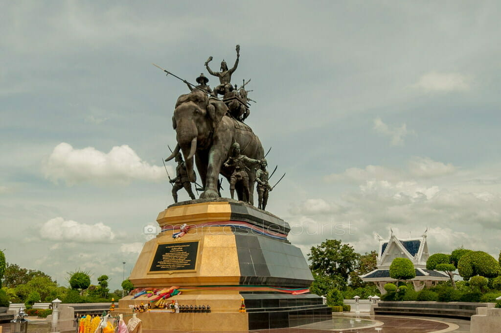 Queen Suriyothai Monument,