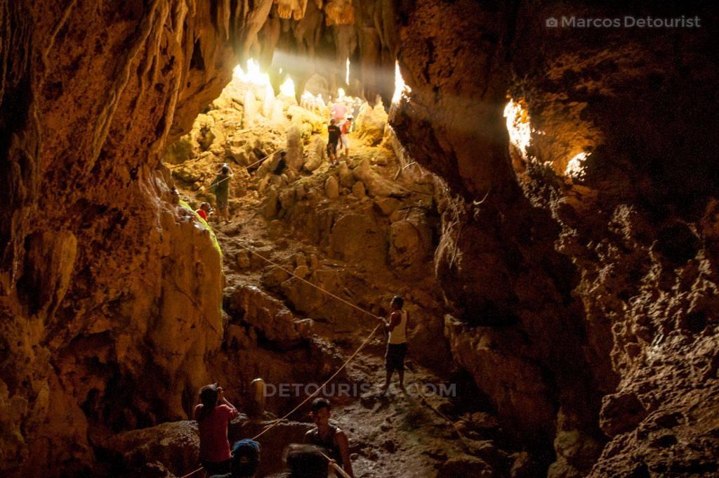 Maanghit Cave, Libertad, Antique