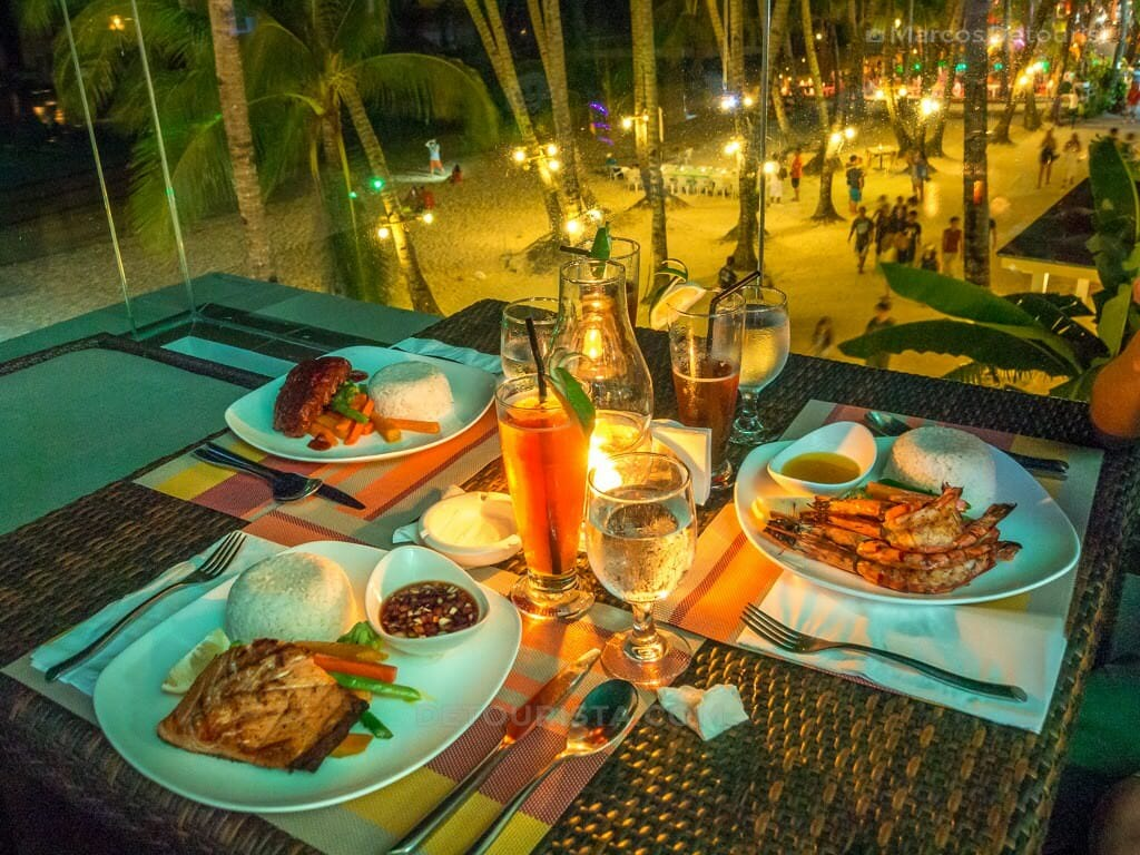 Dinner at Star Lounge at The District, Station 2, White Beach, B