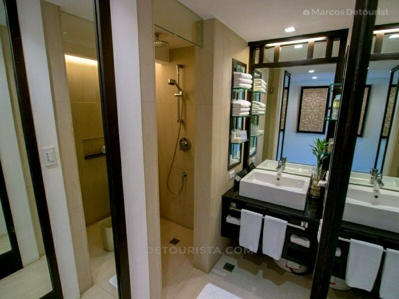 Deluxe Room Toilet&Bath at The District, Station 2, White Beach,