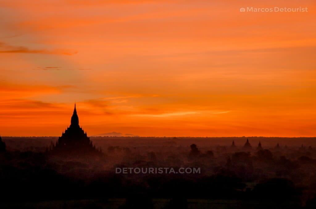 Sunrise at Shwe Sandaw Pagoda