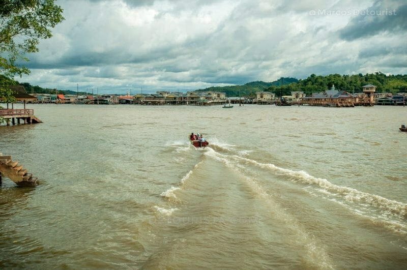 A water taxi crosses the Brunei River to Kampung Ayer (Water Village) in Bandar Seri Begawan, Brunei