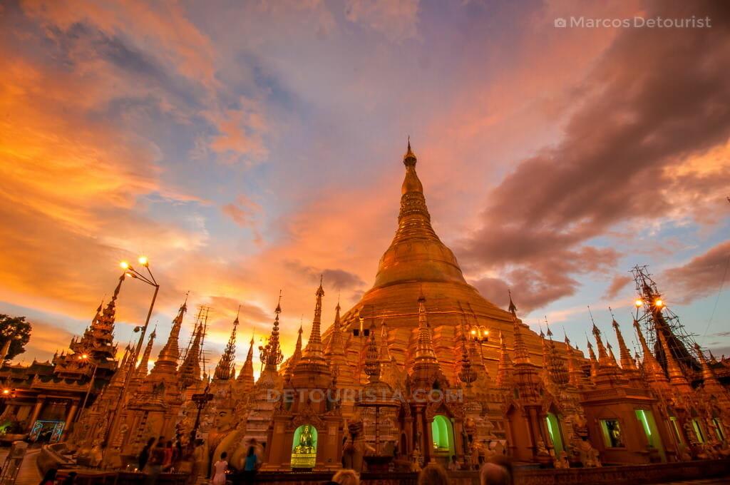 Sunset at Shwedagon Paya (Pagoda)