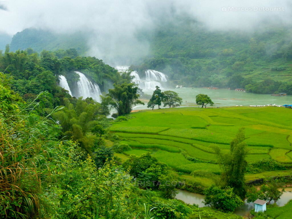 Overlooking view of Ban Gioc-Detian Waterfall in Cao Bang, Vietnam