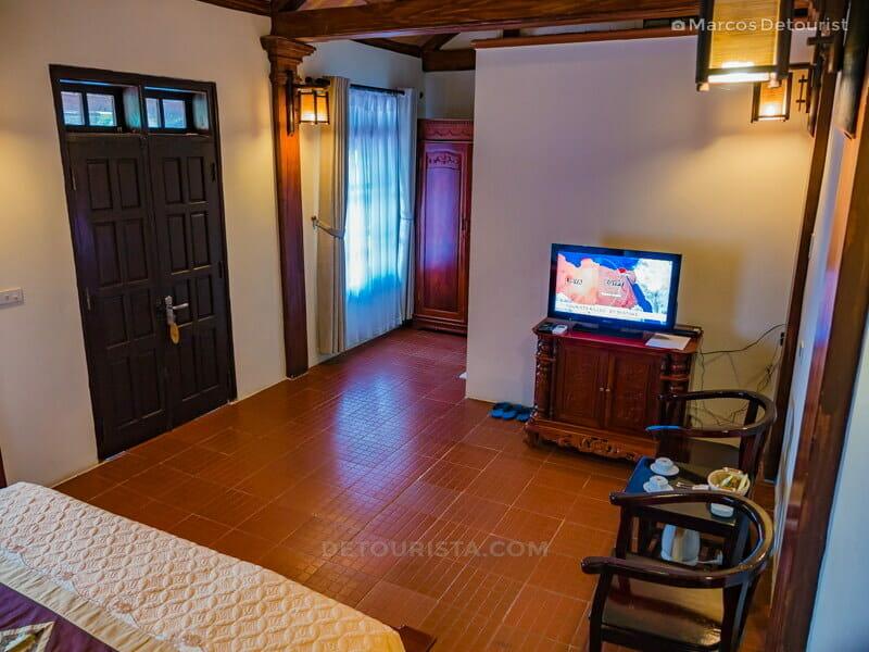My room, facing the TV, at Mua Caves Eco Lodge, in Ninh Binh, Vietnam, on September 2015