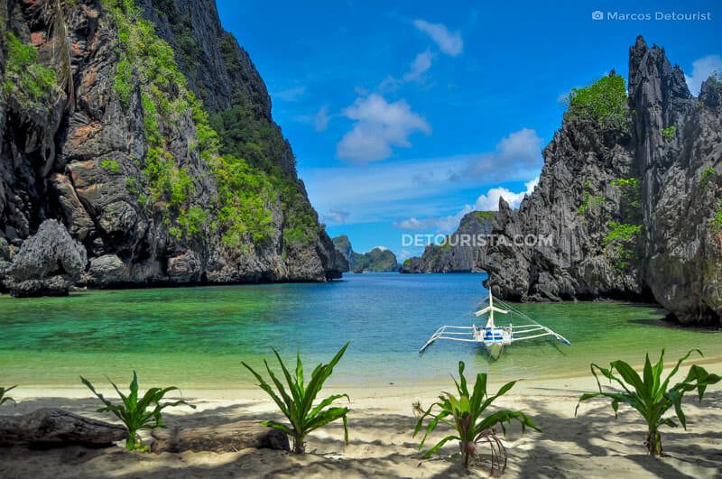 Secret Lagoon Beach in Miniloc Island, El Nido, Palawan, Philippines