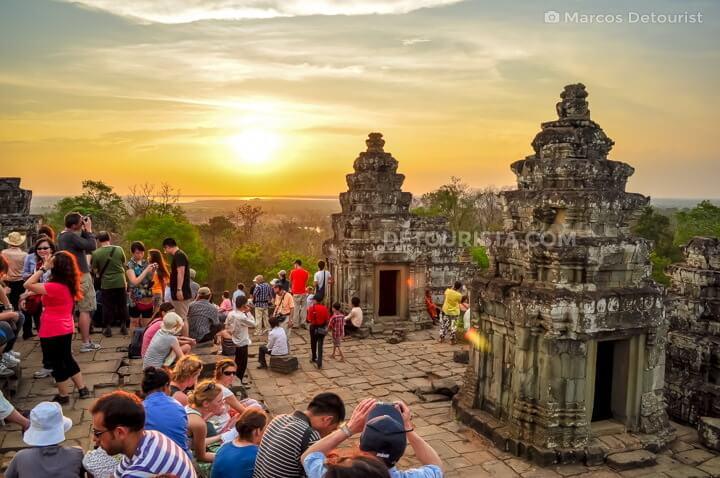 Sunset at Phnom Bakheng (temple)