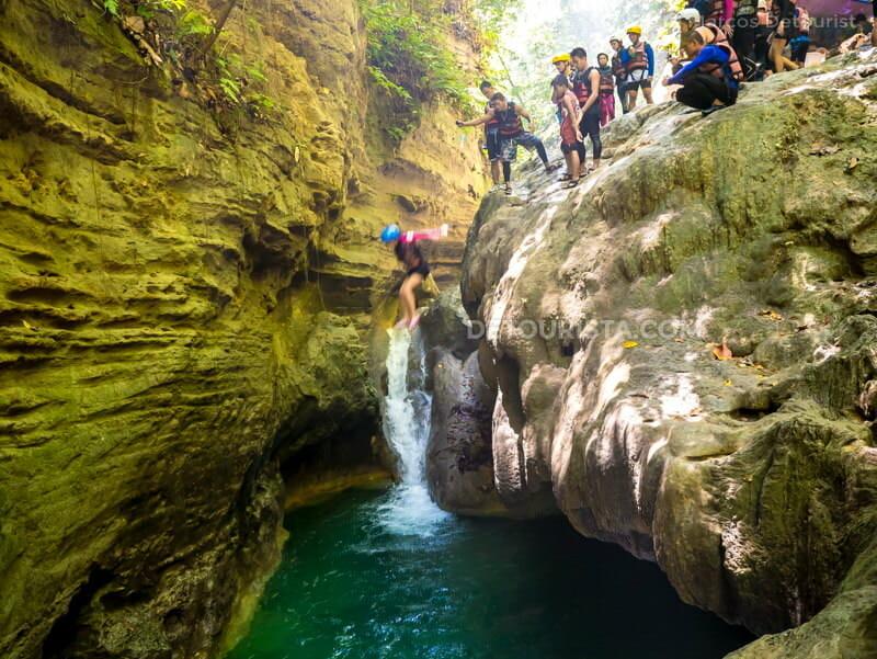 Kawasan Falls Canyoneering, Cebu
