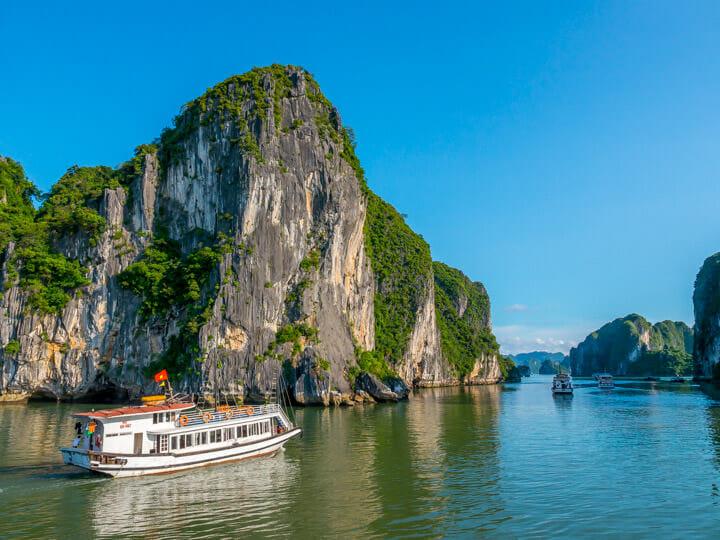 Ha Long Bay blue sky