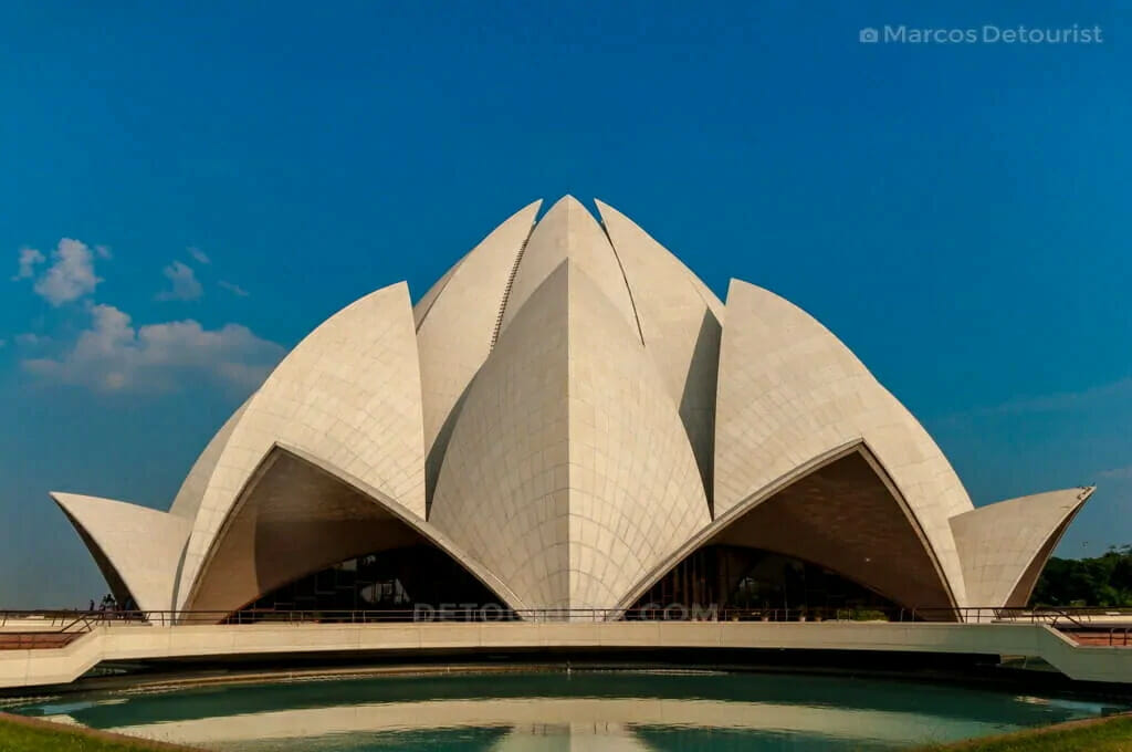 21-Bahai-Lotus-Temple-in-New-Delhi-130924-160831