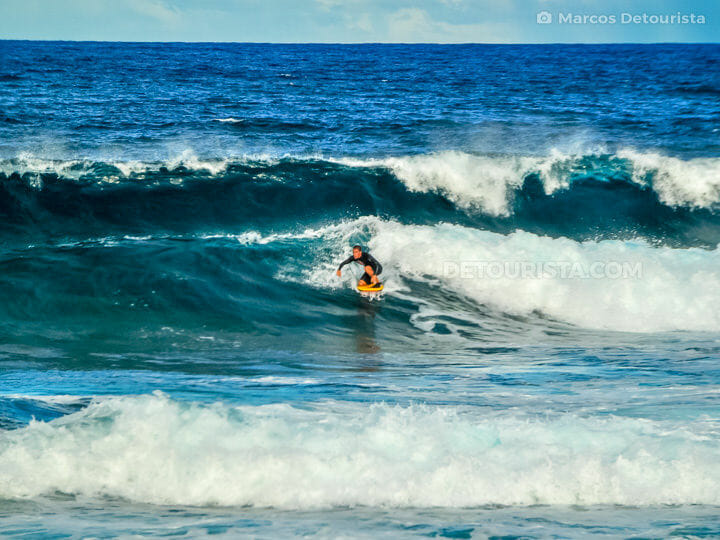 Cloud 9 surfing, Siargao Island