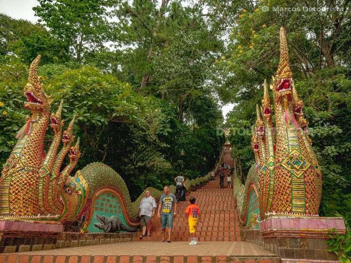 Giant Naga guard statues at the 309 steps leading to Wat Doi Sut