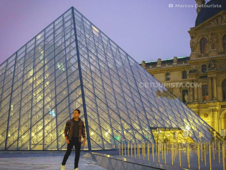 002-Louvre-Pyramid-in-Paris-France-Paris-France-180113-055106-2