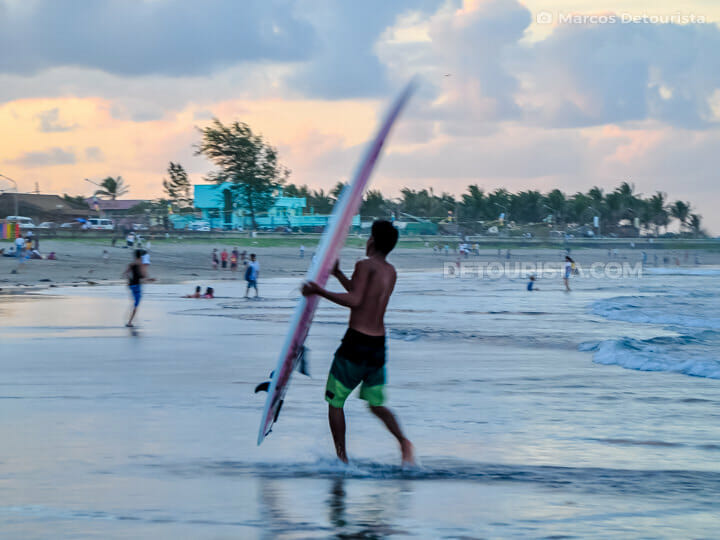 Bagasbas Beach surfing, Daet