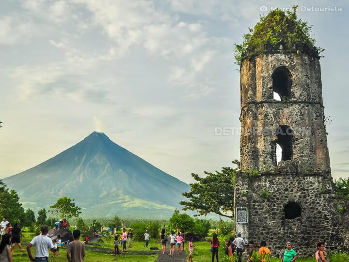 Cagsawa Ruins & Mayon Volcano in Daraga, near Legazpi City, Alba