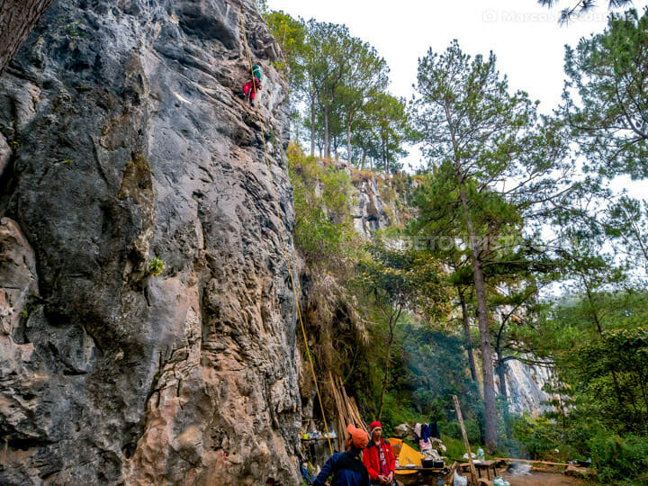 Echo Valley rock climbing, in Sagada, Mountain Province, Philipp