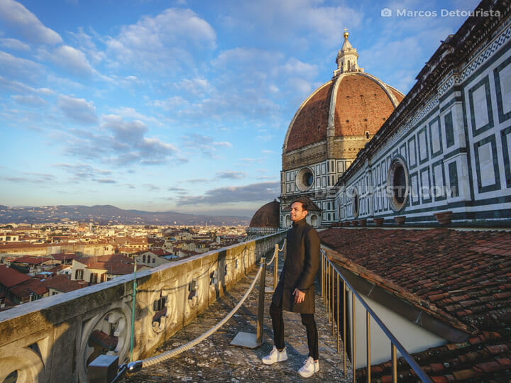 Marcos at the Northern Terrace (reserved access area) of the Florence Cathedral (Duomo), in Italy