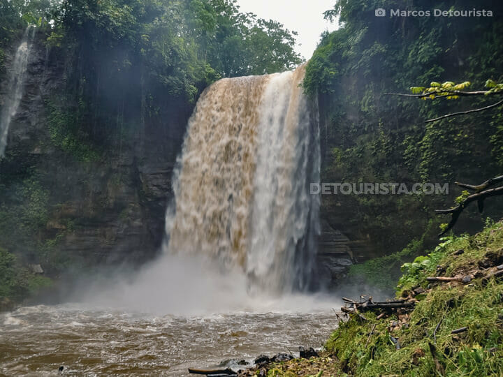 Hikong Alu (1st Falls)