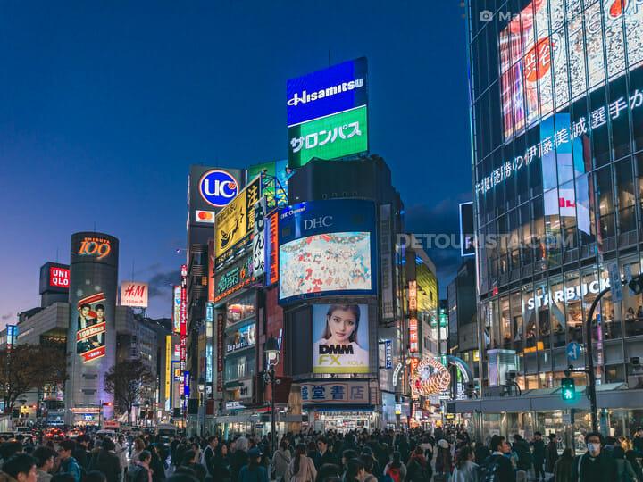 Shibuya Crossing, Tokyo at night