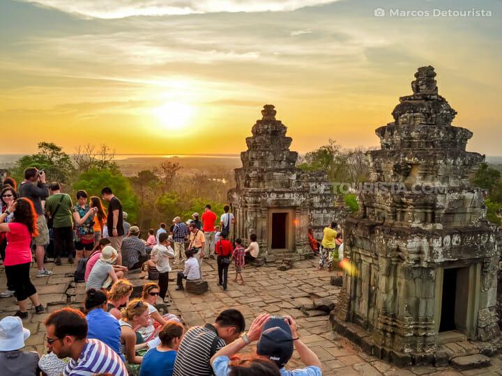 004-Phnom-Bakheng-temple-sunset-Siem-Reap-Siem-Reap-Cambodia-100419-191425