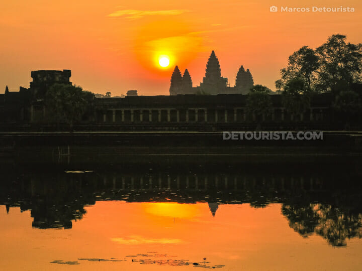 Sunrise at Angkor Wat, in Siem Reap, Cambodia