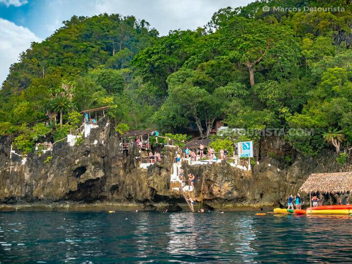 Ariel's Point cliff diving