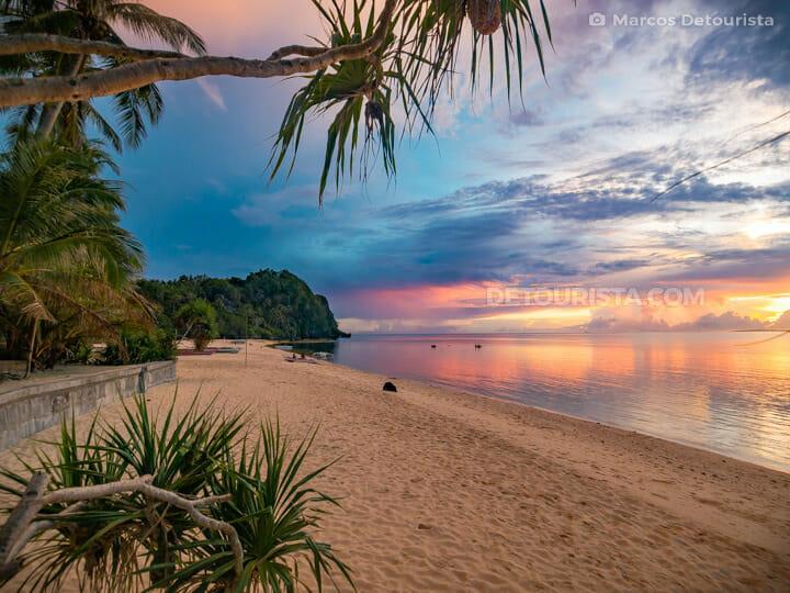 Hinugtan Beach sunset, Aklan