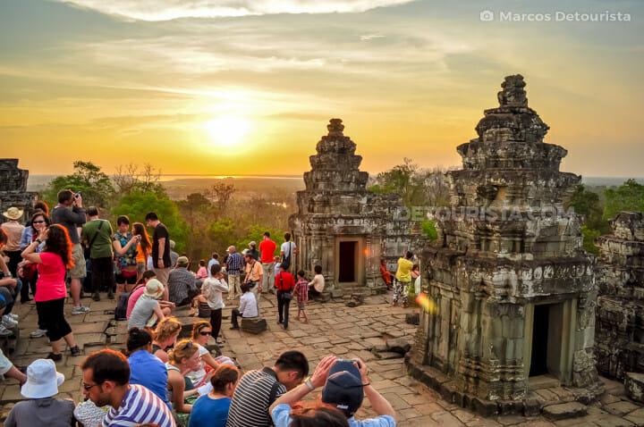 Phnom Bakheng (temple) sunset