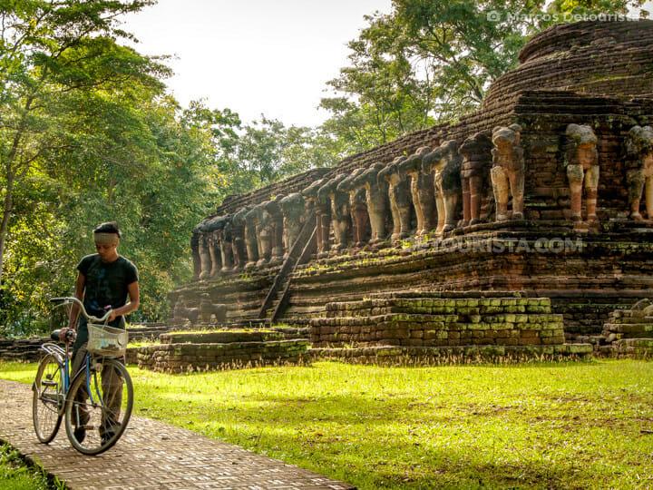Marcos at Wat Chang Rawp in Kamphaeng Phet Hisotrical Park, Thailand