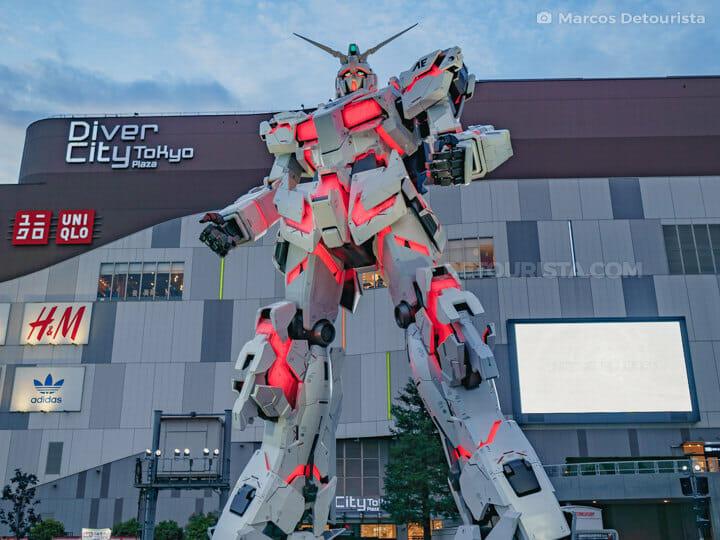 Gundam Unicorn Statue, Tokyo
