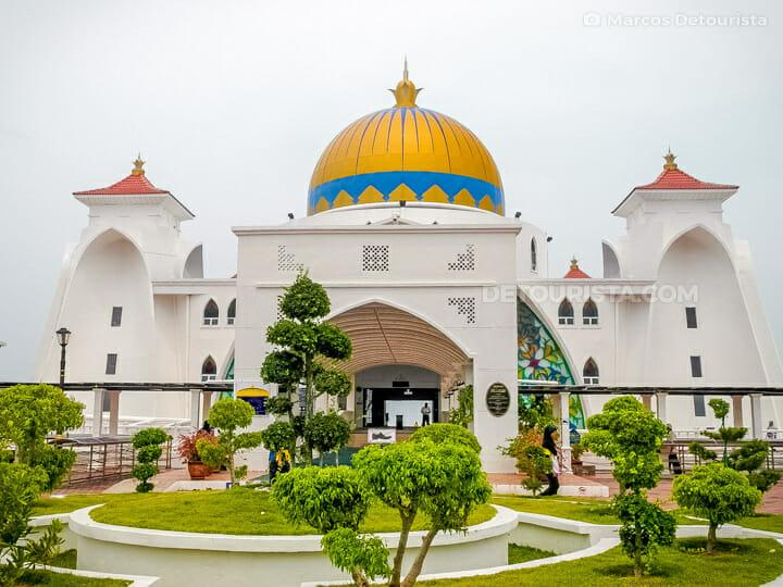Malacca Straits Mosque, Melaka