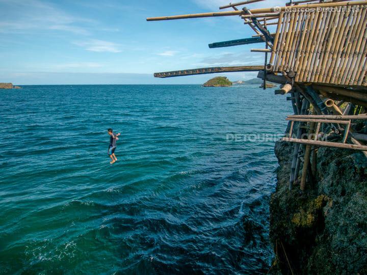 Cliff diving at Magic Island