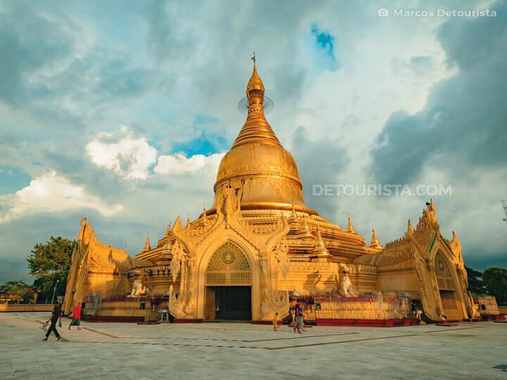Maha Wizaya Pagoda in Yangon, Myanmar