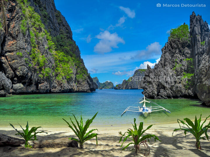 Secret Lagoon Beach in El Nido, Palawan
