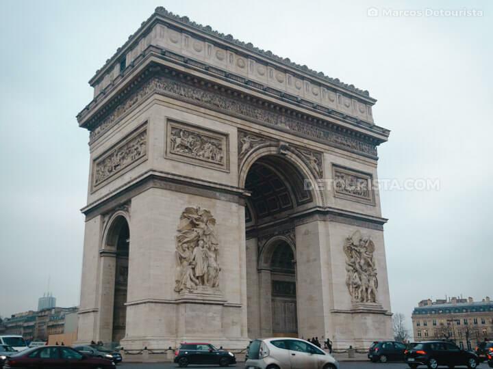 Arc de Triomphe, in Paris, France