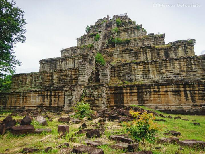 Koh Ker-Thom Temple near Siem Reap, Cambodia