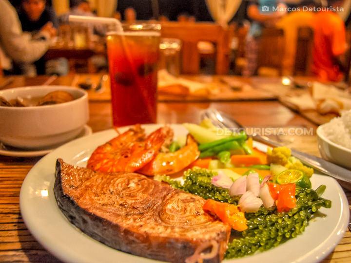 Badjao Seafront Restaurant in Puerto Princesa City, Palawan, Phi