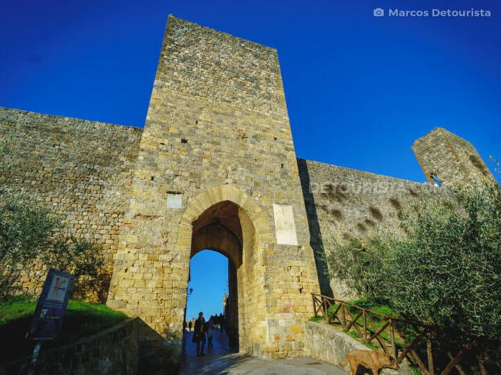 Monteriggioni Castle