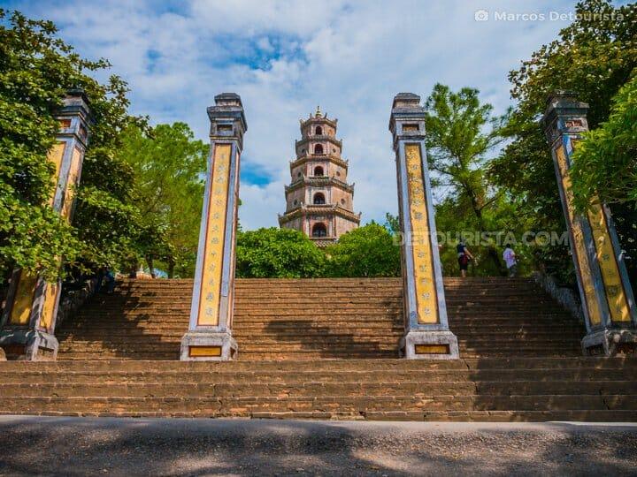 020-Thien-Mu-Temple-Hue-Hue-Vietnam-150912-093022