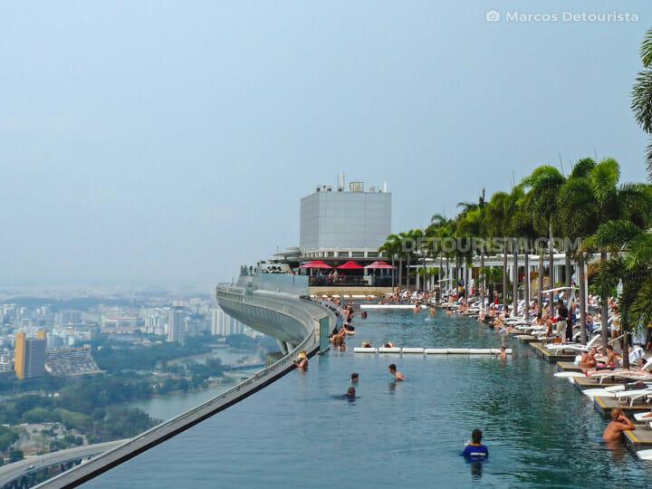 Marina Bay Infinity Pool in Singapore