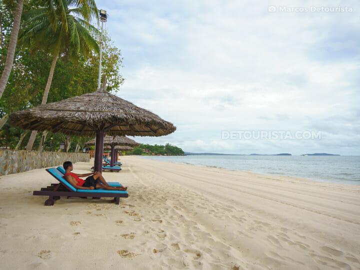 025-Sihanoukville-Sokha-Beach-Sihanoukville-Cambodia-170712-172600-1