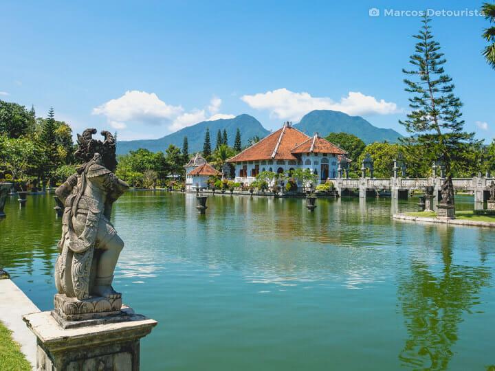 Istana Air Taman Ujung
