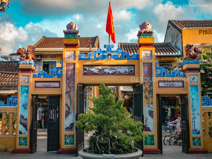 Entrance gate of Minh Huong Ancestor Worship House