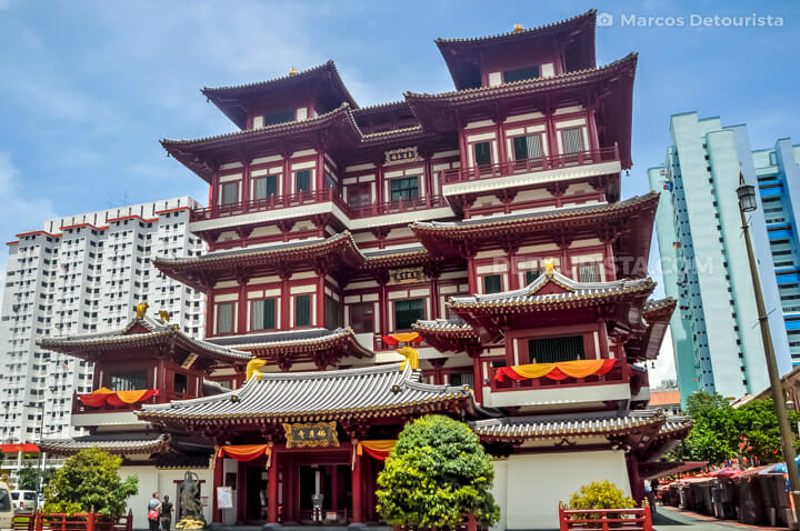 Buddha Tooth Relic Temple & Museum, in Chintatown, Singapore
