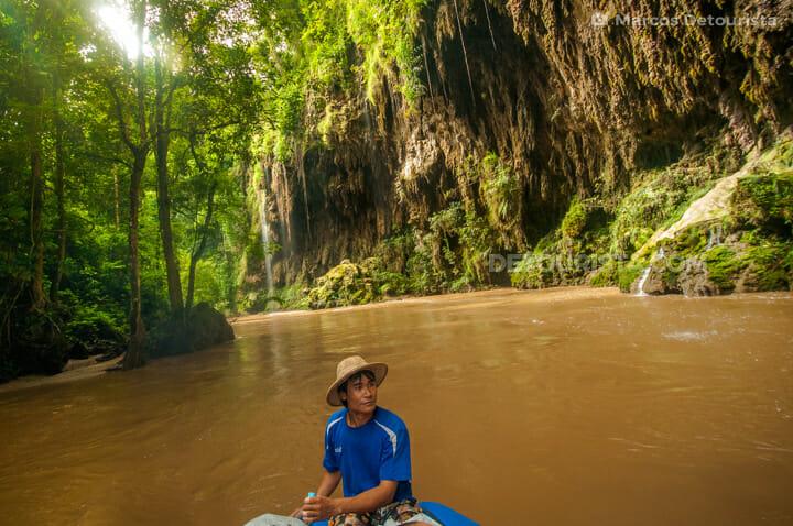 Umphang river cruise