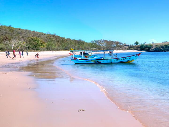 Lombok - Tangsi Pink Beach