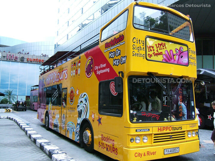 Singapore Hop-on Hop-off bus