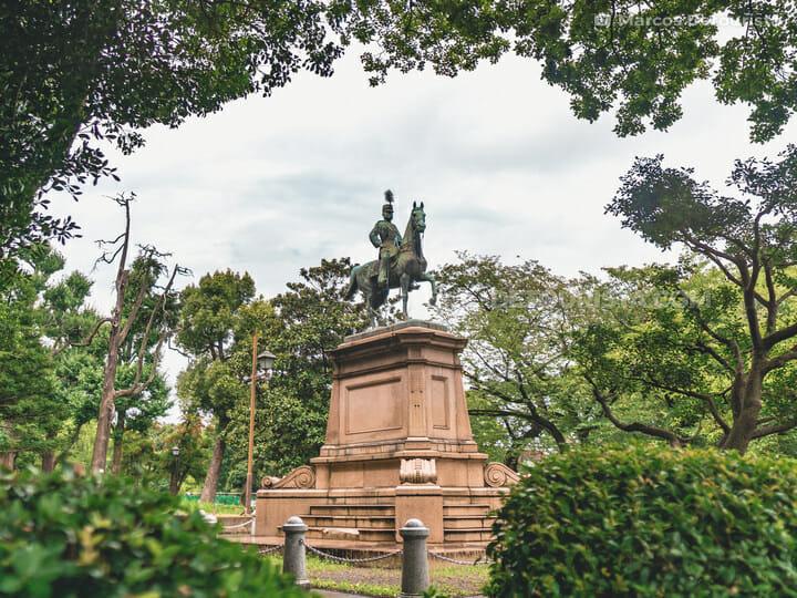 Komatsunomiya Akihito Shinno Statue, Ueno Park, Tokyo
